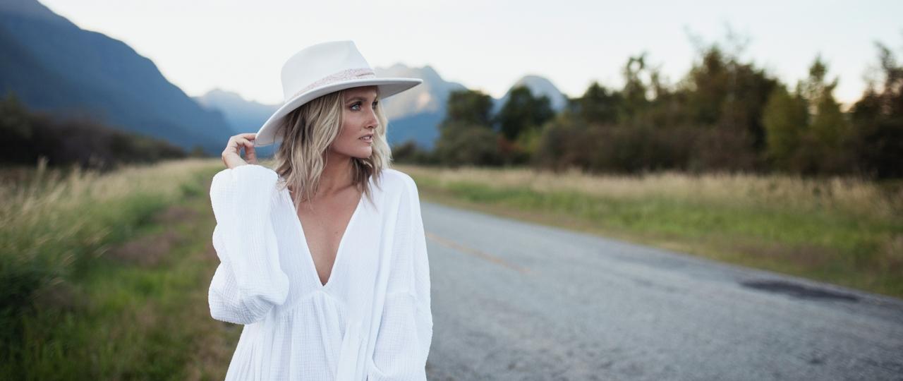 Kalsey Kulyk booking agency